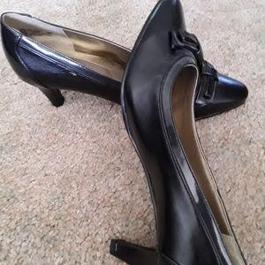 Hushpuppies soft style black heel pump size 8.5M